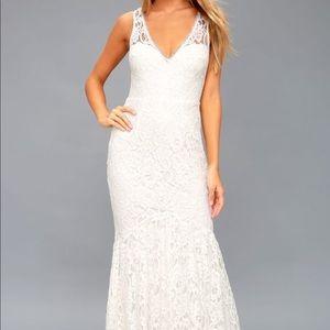 ELBRIDGE WHITE LACE MAXI DRESS